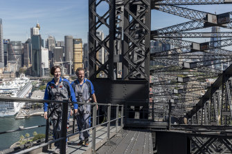 David Hammon and Anthea Hammon on the Harbour Bridge climb.