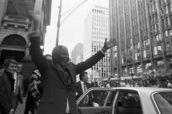 Nelson Mandela arrives at Melbourne Town Hall on a tour of Australia in 1990.
