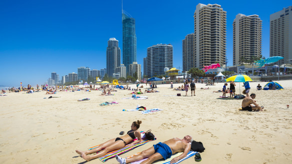 Records set to tumble as south-east Queensland nears peak of hot weather