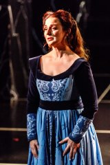 Elena Xanthoudakis is a glorious Desdemona.