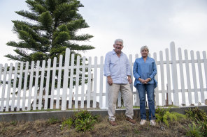 Dick and Marie Persson at their Bronte home. They were instrumental in getting Springbok protesters into the SCG 50 years ago.