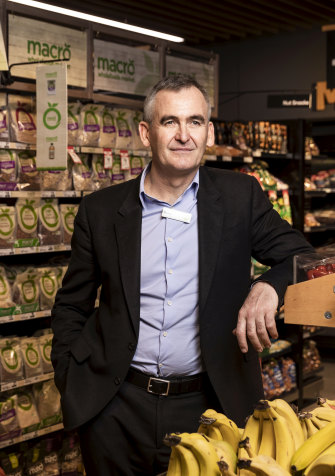 Brad Banducci led Woolworths to suspend its rivalry with competitors and to agree to buying limits and safety standards during the pandemic.