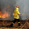 Canadian firefighters give up Christmas to assist RFS with bushfires