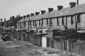 """""""Sydney has an abundance of shameful slums..."""" A row of terraces in Redfern, March 22, 1957"""
