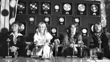 Swedish pop group ABBA attends a press conference at the Sebel Town House in Sydney on February 28, 1977.