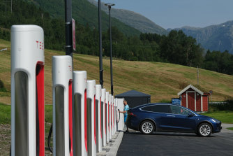 In Norway, 74.5% of new car sales in 2020 were electric.