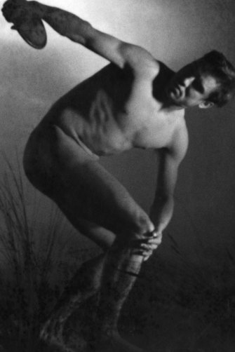 Naked discus thrower in classical pose  scene from Leni Riefenstahl's film 'Olympia', part 1: 'Festival of the Peoples', 1936