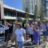 One arrested as about 1000 protesters join anti-lockdown rally on NSW border