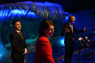 Customer Services Minister Victor Dominello (left), pictured with NSW Premier Gladys Berejiklian at the SEA LIFE Sydney Aquarium.