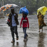 Hundreds of thousands evacuated as cyclone lashes India, Bangladesh