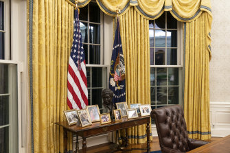 President Donald Trump's drapes have been replaced with these ones, which were used during Bill Clinton's presidency.