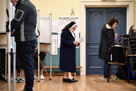 A nun casts her vote at Nano Nagle Hall County Cork.