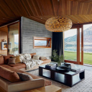 A luxurious home for rent on Airbnb at Lake Wanaka in New Zealand.