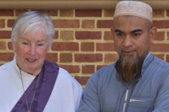 UCIC Minister Reverend Frances Hadfield with Perth Mosque's Imam Mohammed Shakeeb.