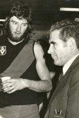 Bill Stephen coaching Essendon, with young star ruckman Simon Madden.