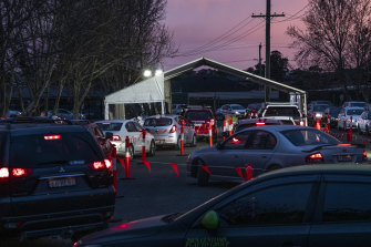 Long queues for Fairfield's 24-hour COVID-19 testing centre on Wednesday morning.