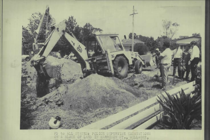 Police supervise excavations on a block of land in Harrison Street, Willagee, in their search for further bodies following the arrest of David and Catherine Birnie.