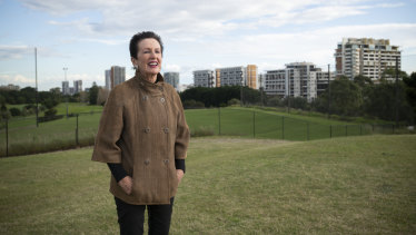 Sydney lord mayor Clover Moore has renewed her push for Moore Park Golf Course to be reduced to nine holes.