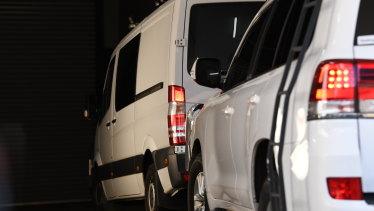 The prison van arrives to bring Bradley Edwards to court.