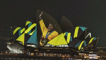 Cathy Freeman won the gold medal in the 400m race in the Sydney Olympics.