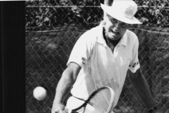 Bruce Larkham playing against John Cooper in 1991.