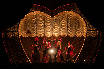 Yes we can, can, can. The Broadway cast of Moulin Rouge.
