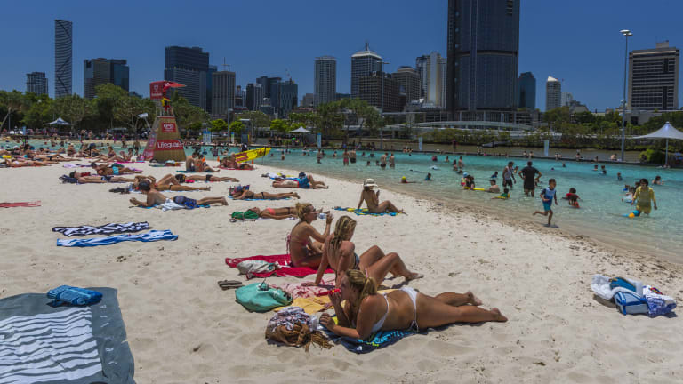 Above-average temperatures were expected to remain in Brisbane throughout the week.