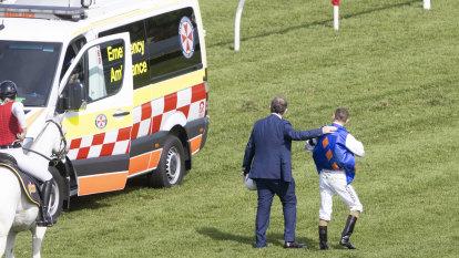Should fallen jockeys at Randwick have to wait so long for ambulance?