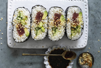 Nori 'sandwich' with tuna, avocado and tamari seeds.