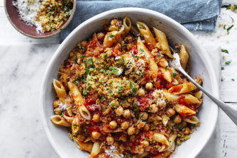 Penne with chickpeas and chilli.