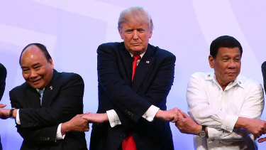 Nguyen Xuan Phuc, with Donald Trump and Philippine President Rodrigo Duterte at the ASEAN-US summit last year.