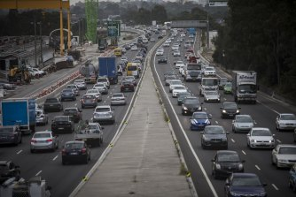 Governments must shift Sydney's focus to public transport and away from new roads, experts say.