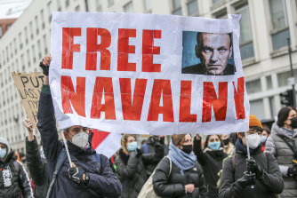 Protests in Navalny's name will become a criminal offence.