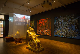 Le Quang Ha, Gilded Age, 2018 (installation view).