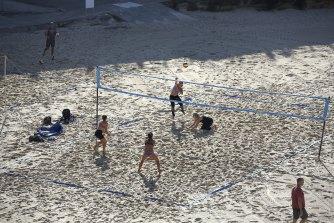 Tamarama Beach Volleyball group.