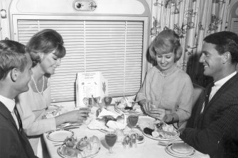 The dining car of the Southern Aurora,