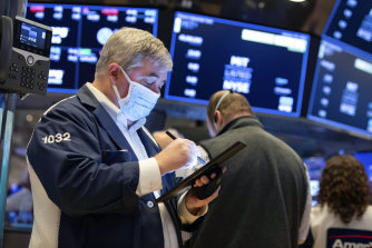 Washington aside, investors are focusing on earnings as the bulk of companies in the S&P 500 spend the next few weeks reporting their financial results.