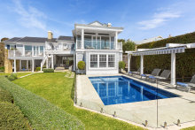 This property has hit the market with expectations of $20m to $22m.