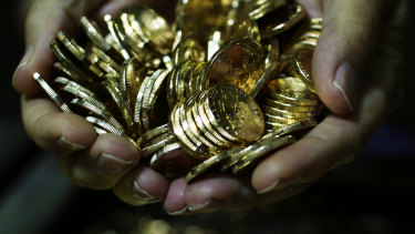 The owner of a boat on which Bennett was working in St Maarten last year had $US100,000 in gold and silver coins stolen.