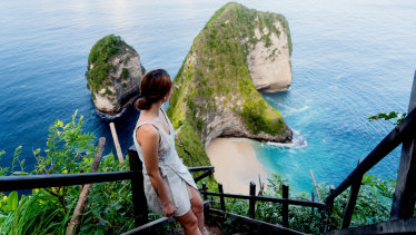 The view from the stairs to Kelingking beach on Nusa Penida Kelingking beach, Bali.
