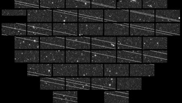 The streaks of the Starlink satellites are captured in an image from the Blanco 4-metre telescope at the Cerro Tololo Inter-American Observatory (CTIO).