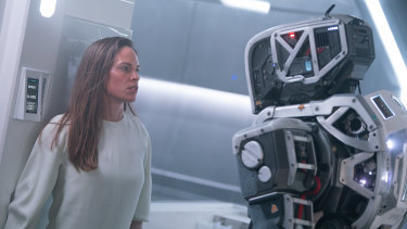 Hilary Swank stars in I Am Mother.