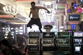 Zombies have overtaken Vegas in Zack Snyder's cheesy heist movie.