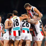 As it happened: St Kilda Saints storm past Port Adelaide Power, Carlton Blues hold off North Melbourne Kangaroos, Sydney Swans edge out Hawthorn Hawks