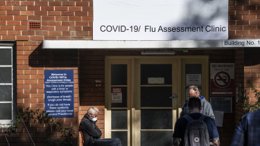 People outside a coronavirus testing clinic at the Prince of Wales Hospital in Randwick, NSW.