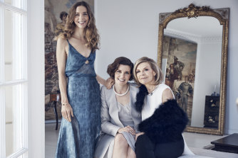 Bianca and Allegra Spender with their mother Carla Zampatti.