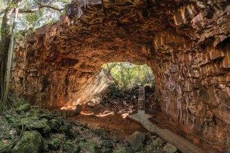 Gapura di Taman Nasional Gunung Api Undara di QLD