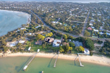 The vendor priced the large bloc at 19 Westmore Ave, Sorrento, at a level that made it unviable for developers, to ensure it was purchased by a family buyer.
