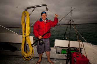 Mallacoota fisherman Jason York has been issued a licence to catch fish to sell to Mallacoota and surrounding communities.
