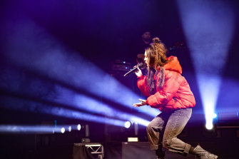 Amy Shark took a venue as large as Qudos Bank Arena with ease.